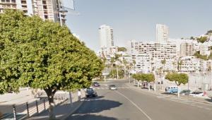 El carrer de Tramuntana de la Vila Joiosa, a on confluïxen les cales de la Vila, Finestrat i Benidorm