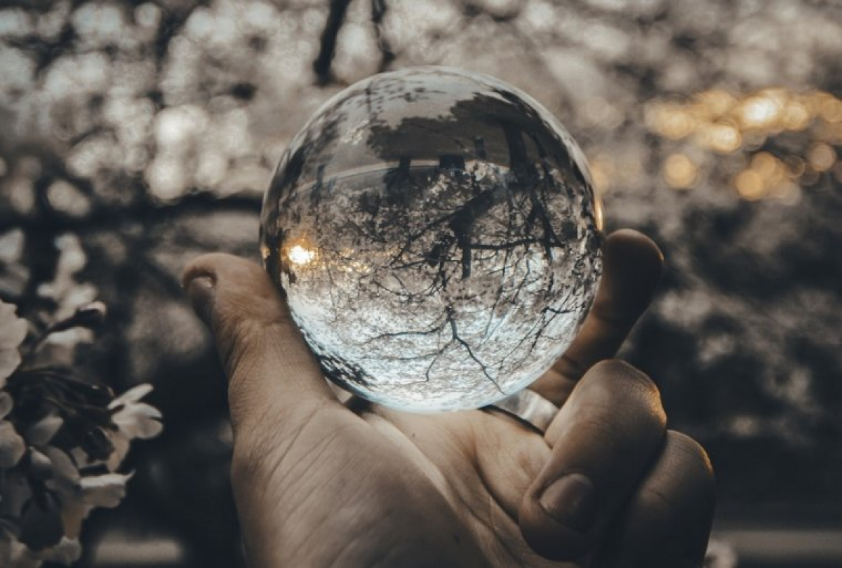 How to Predict the Future: 7 Oracles and Divination Methods