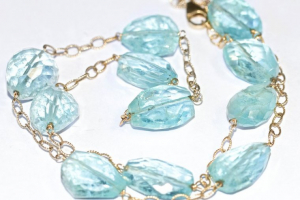 Aquamarine: Its Significance, Healing Properties, and Uses in Gem Therapy