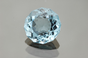 Topaz: Its Significance, Healing Properties, and Uses in Gem Therapy