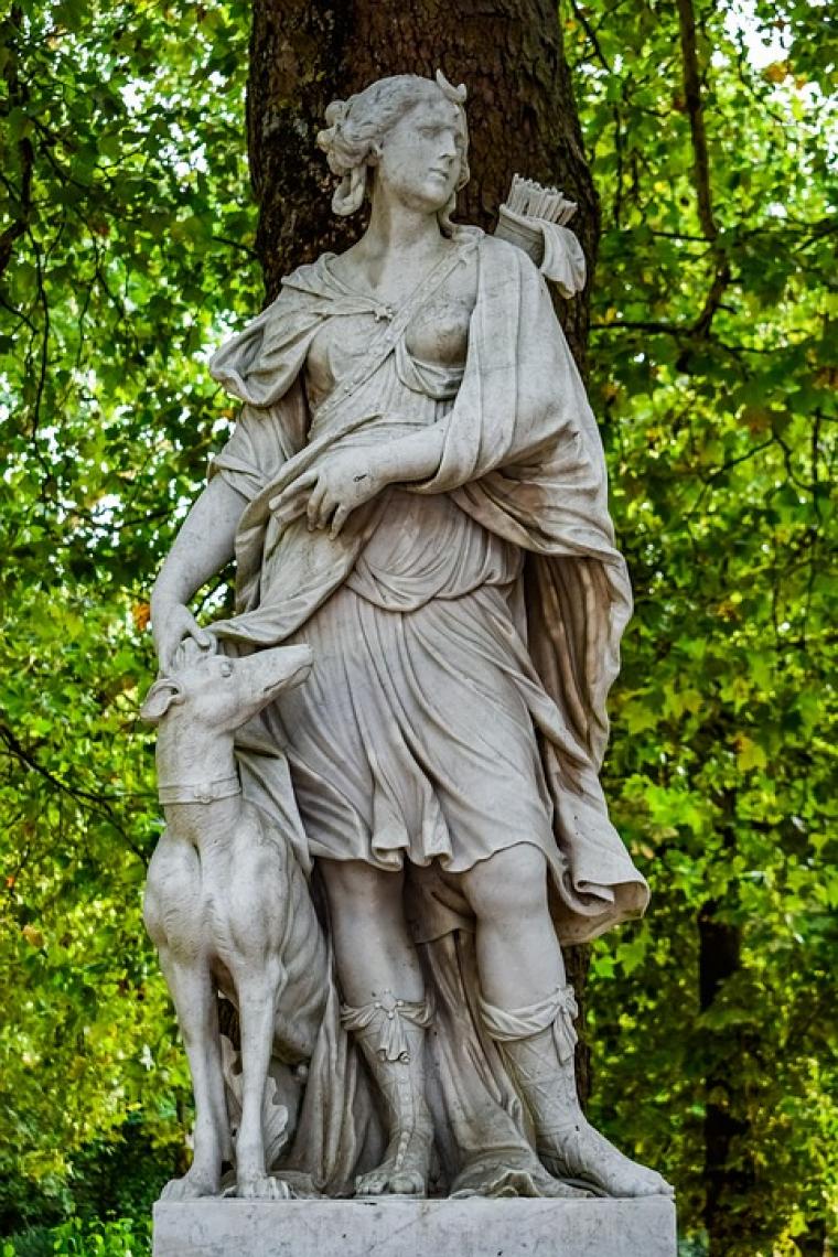 Sagittarius – Artemis (Diana)