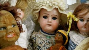 Creepy dolls: definition, 5 evil dolls and movies.