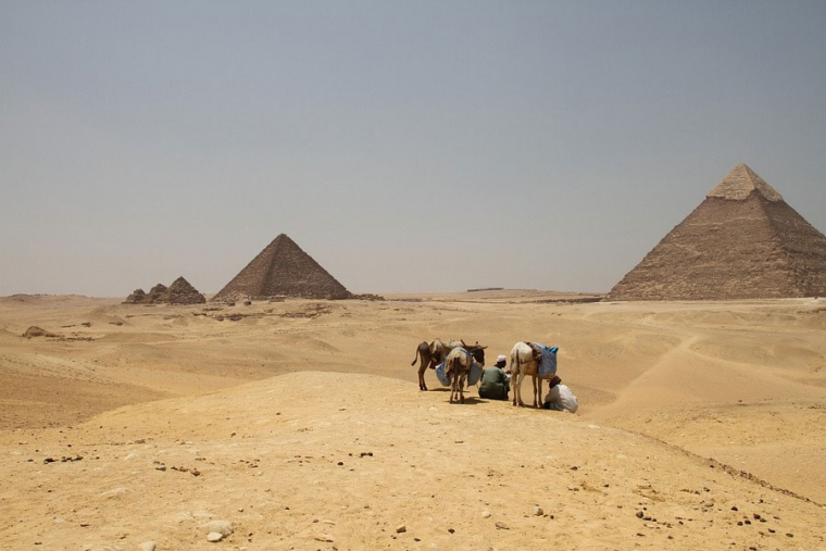 Some of the craziest theories about the Egyptian pyramids