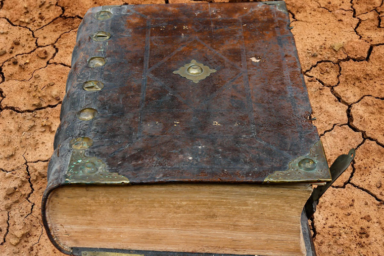What is a Grimoire? What the Spell Books of Witches and