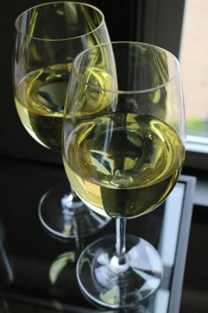 El valors de l'enquesta contrasten amb els valors reals de consum de vi.