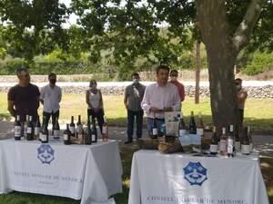 Un moment de la presentació de la Guia de vins i cellers de Menorca