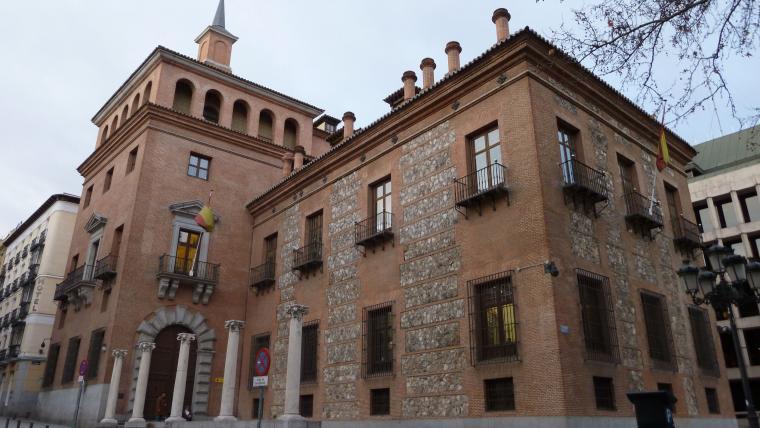 El Fantasma De La Casa De Las Siete Chimeneas