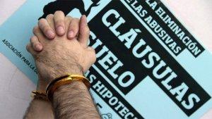 El TUE obliga a los bancos a devolver todo el dinero a los afectados por cláusulas suelo