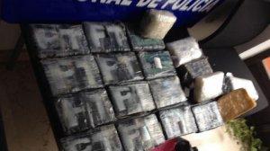Los fardos de cocaína que encontraron unos vecinos en dos playas de Valencia
