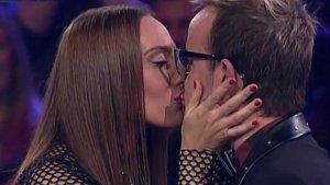 Mónica Naranjo se besó con Àngel Llàcer en 'Tu cara me suena'