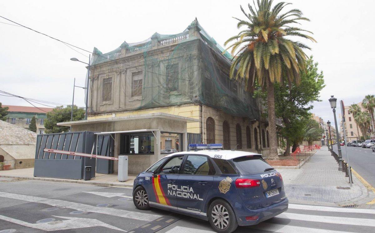 La polic a nacional detiene a una chica sospechosa de for La comisaria restaurante valencia