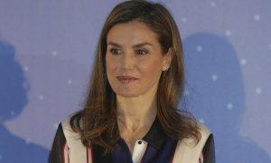 La reina estrenando pendientes en la entrega de los Premios Discapnet