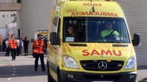 Imagen de archivo de una ambulancia en Ibiza
