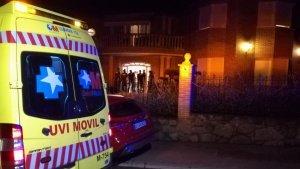 Los servicios de emergencias acudieron al lugar de autos