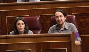 Pablo Iglesias junto a Irene Montero