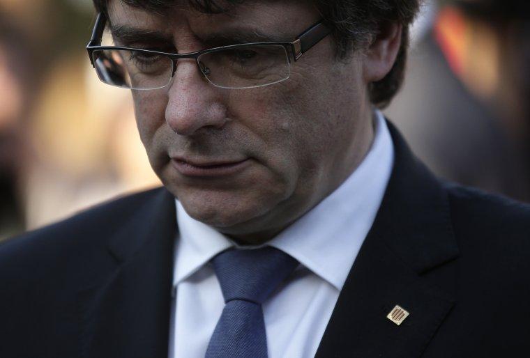 Puigdemont perderá el empleo y el sueldo, además de tener que rendir penalmente con su propio patrimonio