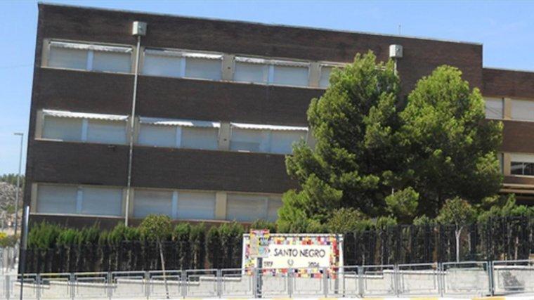 Colegio Santo Negro de Elda, cerca del lugar del crimen
