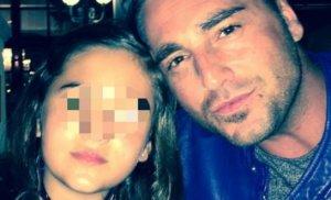 Imagen de Daniella junto a su padre.