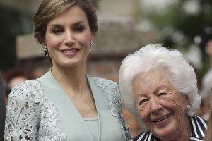 Imagen de la reina Letizia y su abuela Menchu.