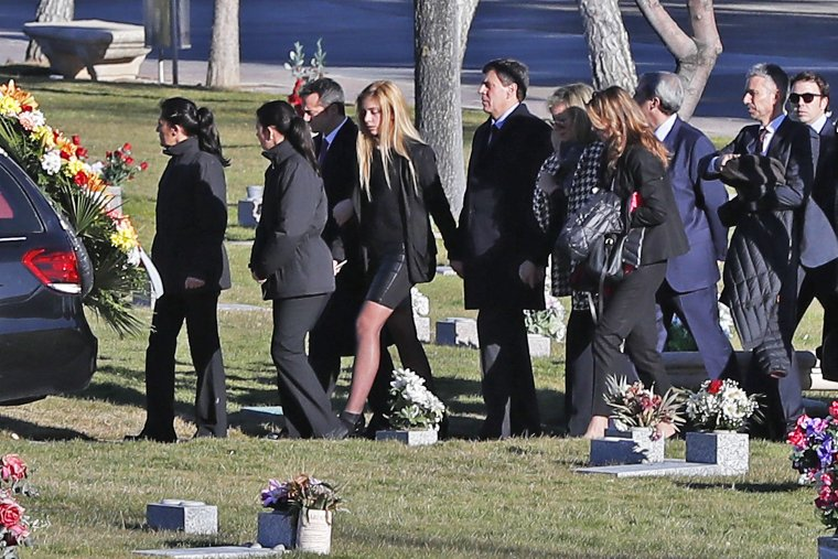 Familiares, amigos y compañeros han dado su último adiós a Diana Quer.