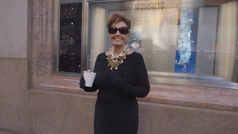 María Teresa Campos vestida de Audrey Hepburn