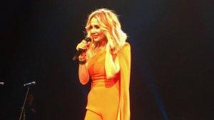 Imagen de Marta Sánchez durante el concierto.