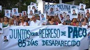 Familiares y amigos de Paco Molina buscan al joven