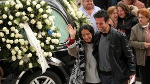 Los padres de Gabriel Cruz a su llegada a la Catedral de Almería
