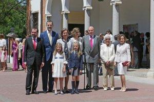 La reina Letizia, el rey Felipe VI, sus hijas y el resto de la Familia Real