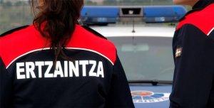 Detenido en Bilbao por intentar robar en un bar tras romper los cristales con la tapa de una arqueta