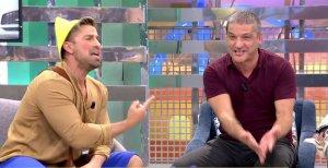 Rafa Mora y Gustavo González durante el último programa de 'Sálvame'