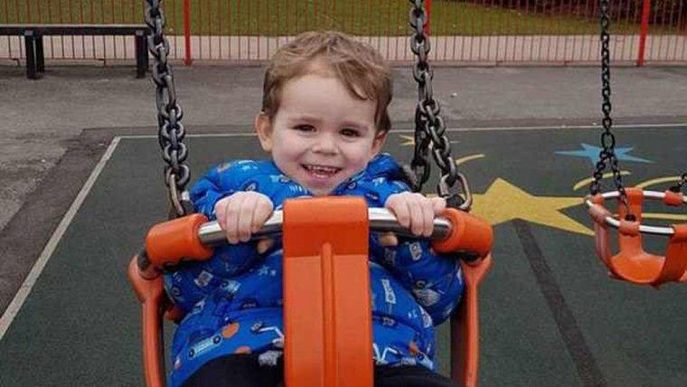 El pequeño Alfie falleció por una sepsis tras ser diagnosticado con otitis