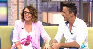 Caparrós le pregunta a Toñi Moreno si puede ser colaborador de su programa