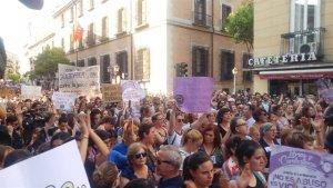 Difunden en redes la propuesta de vestir una camiseta negra en el chupinazo de los Sanfermines en repulsa de La Manada
