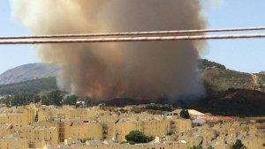 El incendio declarado en Ceuta ha obligado a desalojar a decenas de personas