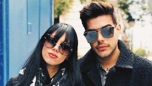 Imagen de Alejandra Rubio junto a su pareja.