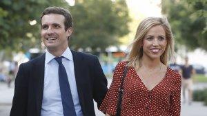 Imagen de Pablo Casado junto a su mujer Isabel.