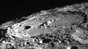 Aparecen dos nuevos cráteres en la superfície de la Lunas