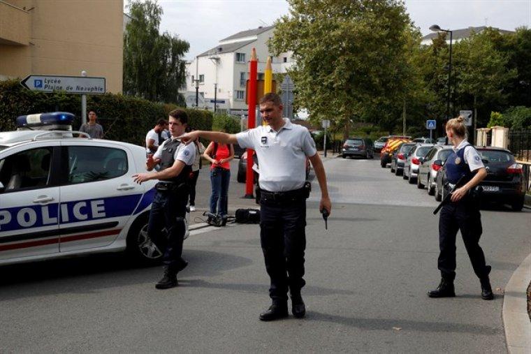 Dos personas mueren y una resulta herida en un ataque reivindicado por Estado Islámico en Trappes, Francia