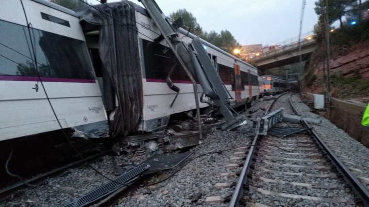 Imagen del tren de Rodalies descarrilado
