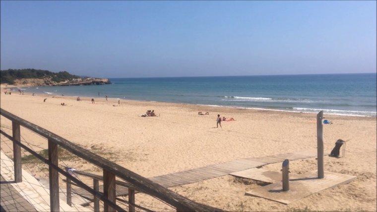 Platja de la Savinosa, a Tarragona.
