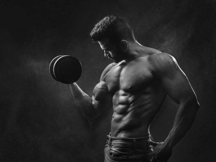 Un xic treballant els bíceps.