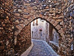 Entrada conservada al call del jueus de Montblanc