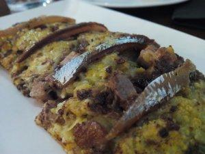 Trinxat de patata i col amb anxoves de l'Arravaló