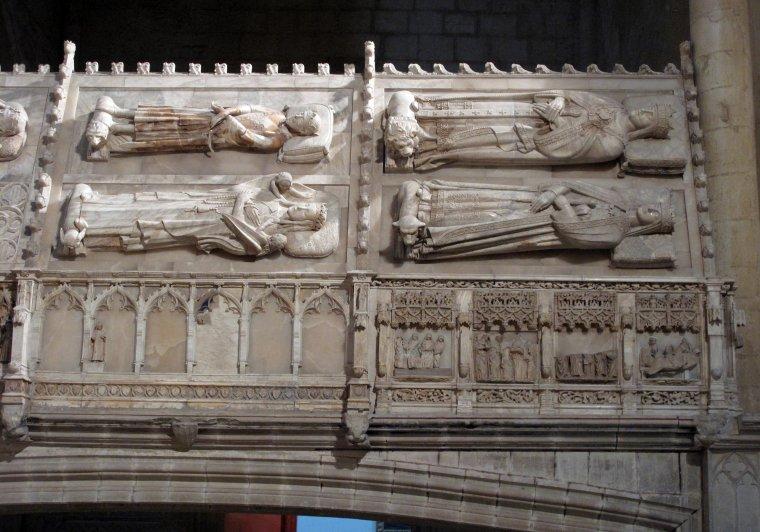 Panteó Reial de l'església de Santa Maria del Monestir de Poblet.