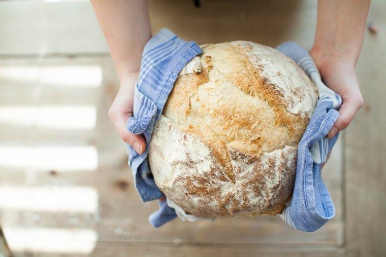 Un pa de pagès sorgit d'un forn artesà de Tarragona.