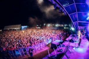 Acampada Jove 2018   Les imatges de la segona nit de concerts