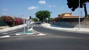 El carril bici es reincorporarà a la carretera a la nova rotonda d'entrada a Blancafort