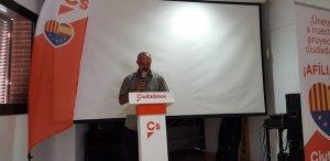 Oscar Malta, a l'acte de presentació de C's a Albinyana.