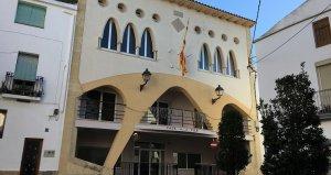Exterior de l'Ajuntament de la Bisbal del Penedès.